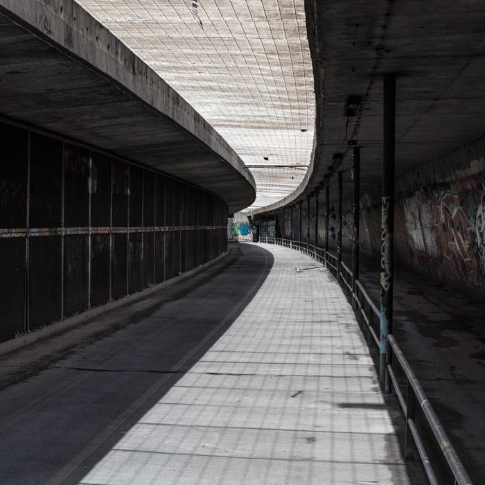 02-Gilbert Jaksic-Le tunnel-Arles