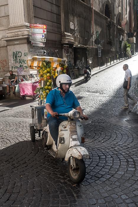 8- Lumiéres à Naples